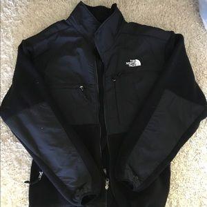 Men's L North Face fleece jacket.